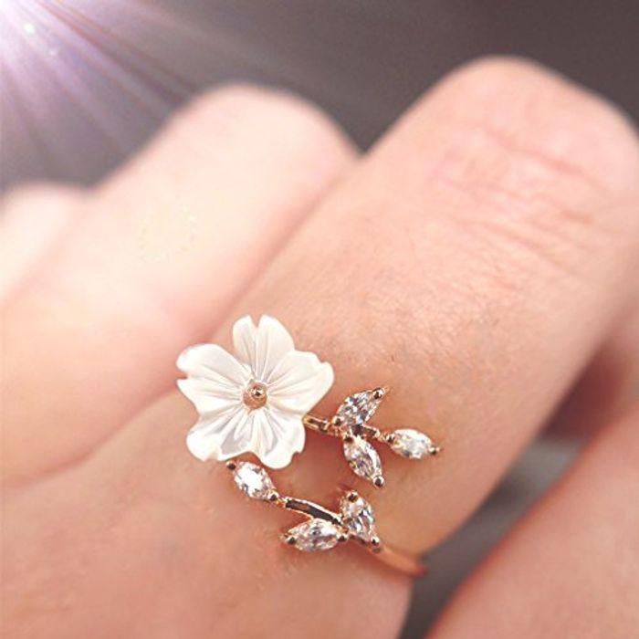 Gold Flower Knuckle Ring
