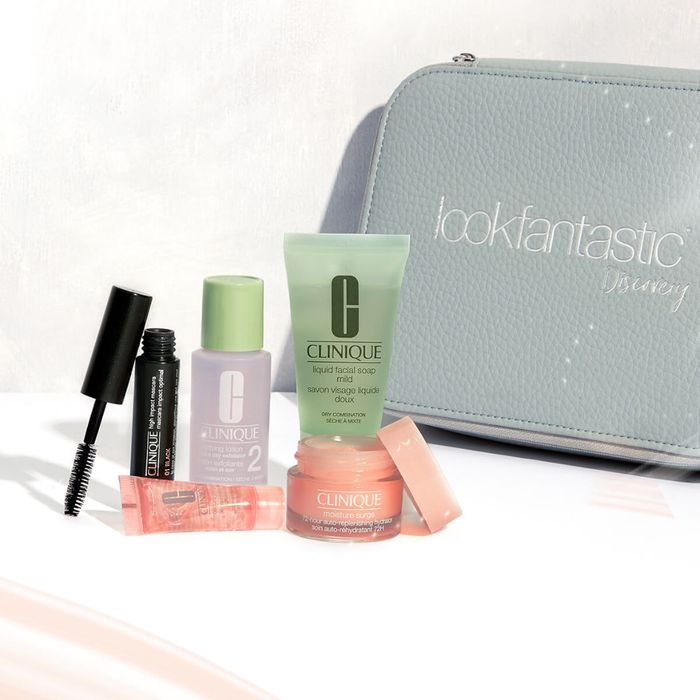 Clinique Lookfantastic Discovery Bag (Worth over £34) FREE UK DELIVERY over £25