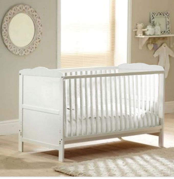 Pre Order Dispatch 20 May 4Baby Classic Cot Bed with Luxury Mattress - White