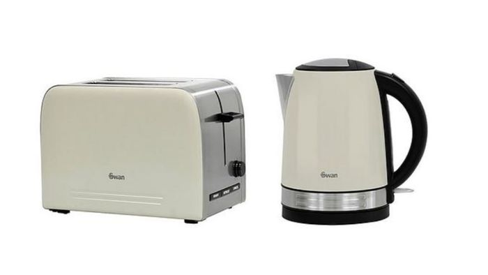 Best Price! Swan Kettle and 2 Slice Toaster Set