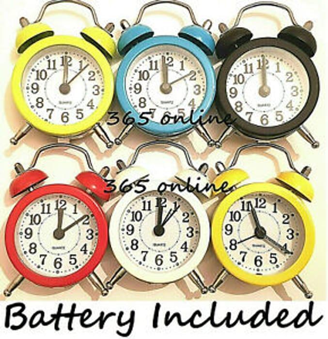 Retro Mini Alarm Clock Quartz Movement Bedside Night Analog Clock Digital Sound