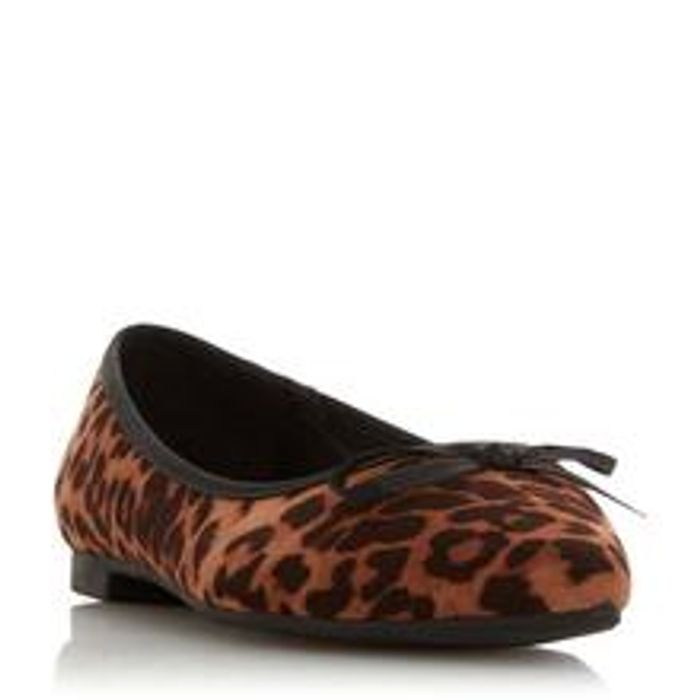 HEAD over HEELS Hanan - Leopard Pointed Toe Ballerina