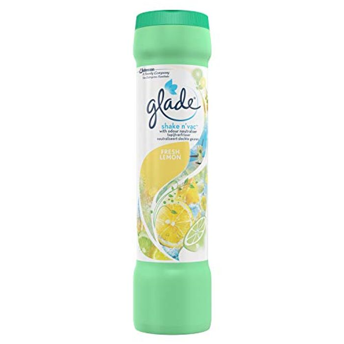 Glade Shake N'vac Fresh Lemon 500g for £1