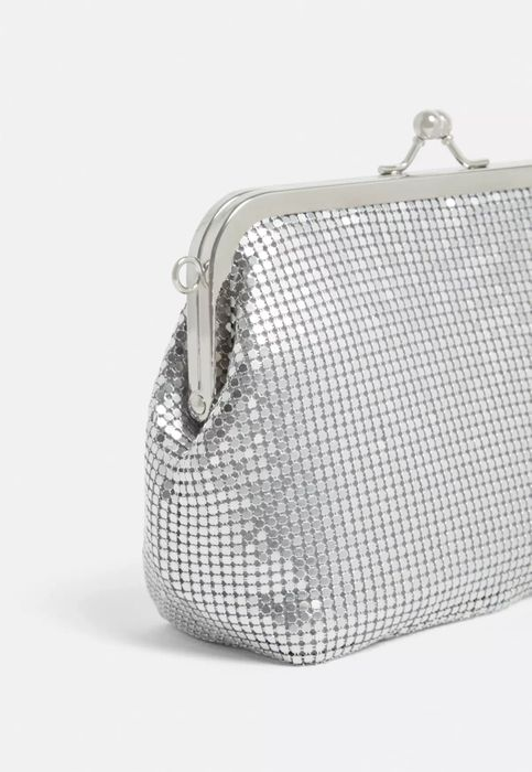 Best Price! Silver Chain Mail Clip Top Pouch Bag at Missguided - 69% Off