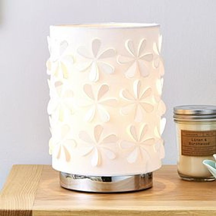 Laser Cut White Pad Table Lamp