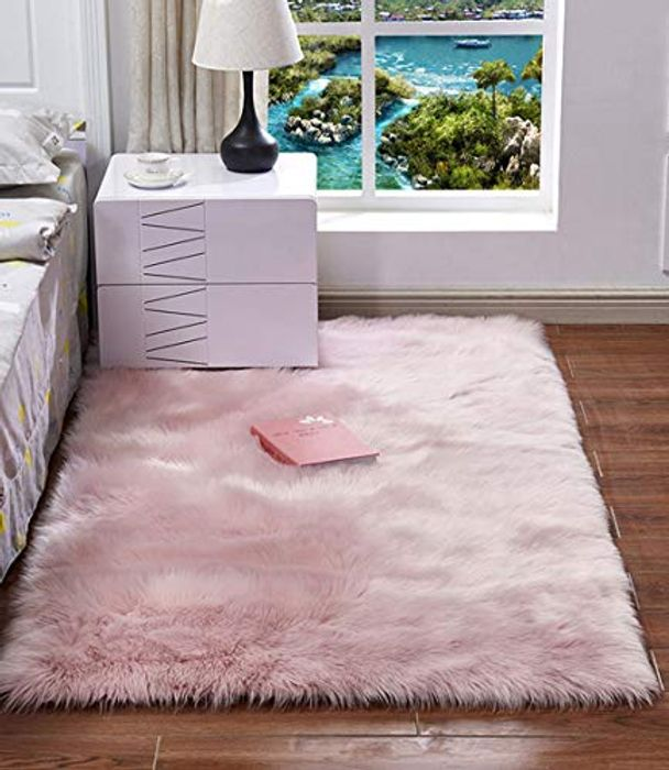 Cheap Fluffy Faux Fur Rug Only £23.99