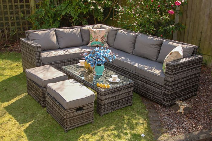 Yakoe 8-Seater Barcelona Rattan Garden Furniture Set