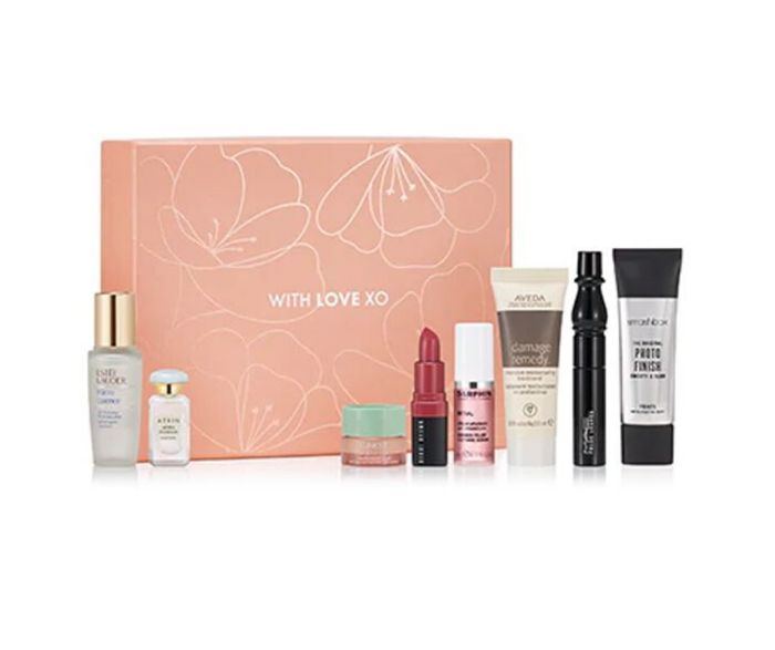 CLINIQUE with Love XO Beauty Box worth over £80!