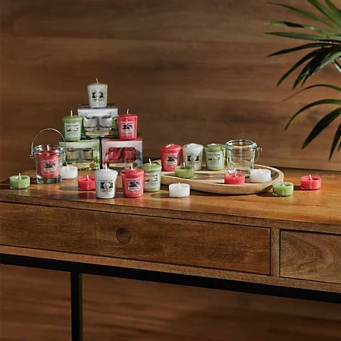 Yankee Candle 53 Piece Summer Bundle (3 New Summer Smells) FREE Delivery