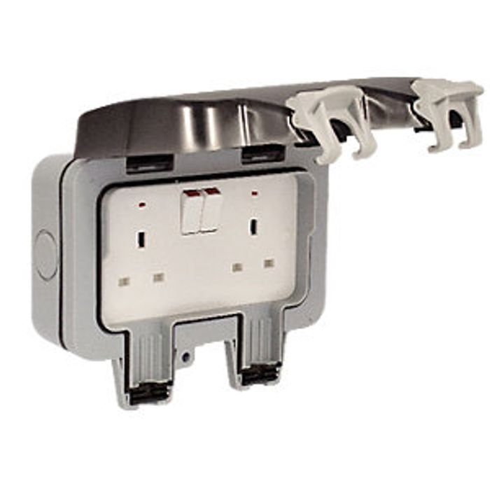 Masterplug IP66 13A Twin Exterior Switched Socket 32%off at Wickes
