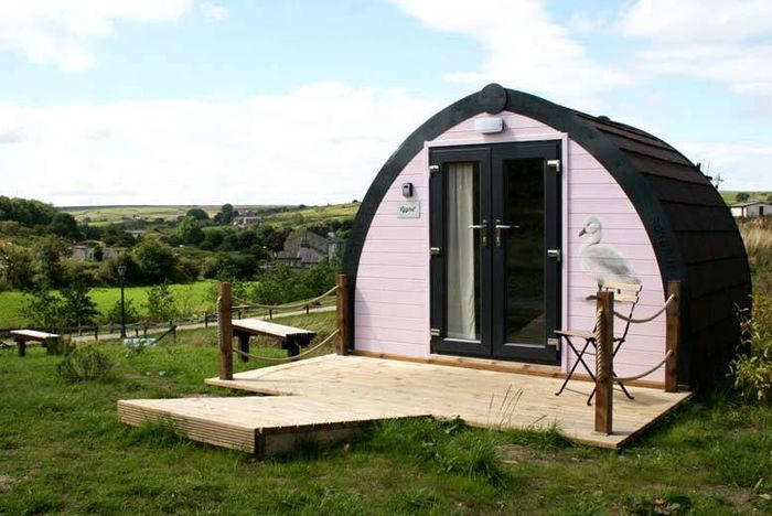2nt Glamping Pod for 2 or 4 at Rossendale Holidays, Lancashire