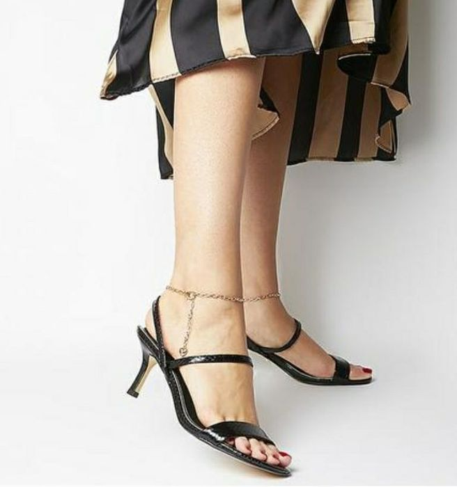 Office Merry Go round Heels with Ankle Chain