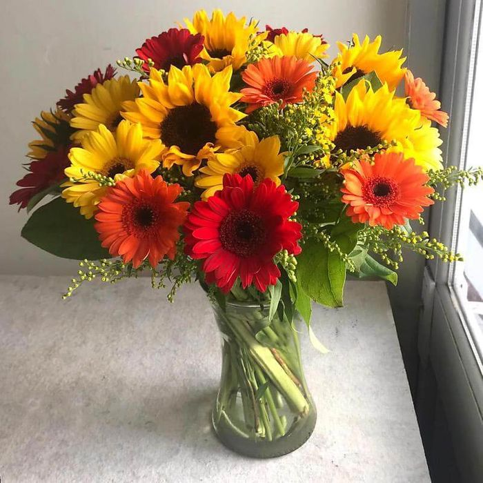 15% off 'Summer Sunshine' Flowers with Free Delivery Included