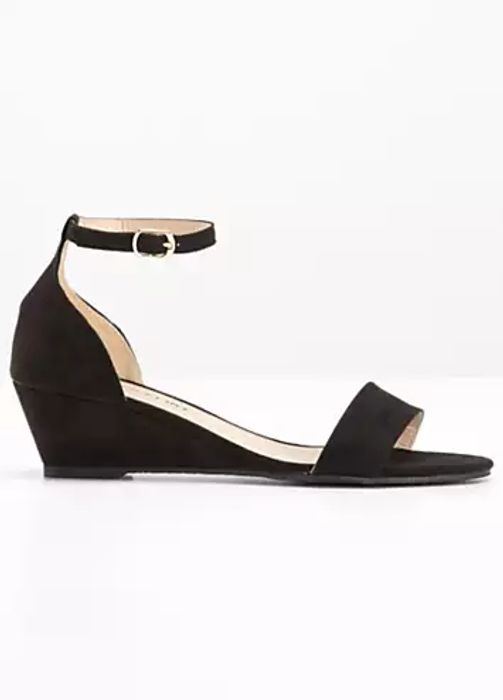 Open Toe Sandals Down From £19.99 to £15.99