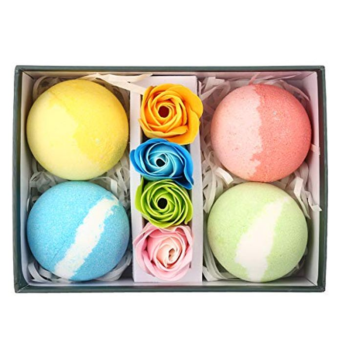 54% off Essential Oil and Bath Bomb Gift Set