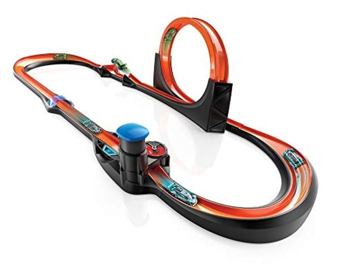 *SAVE £100* Hot Wheels Smart Track Kit