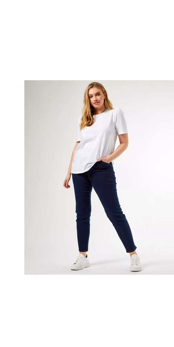 Up to 70% off in the Dorothy Perkins Sale plus Free next Day Delivery