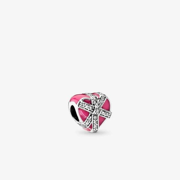 WOW over 70% off Pandora Magneta Gift of Love Charm - Only £18