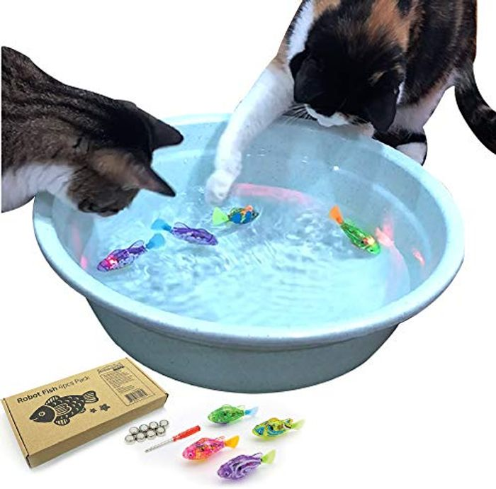 Interactive Swimming Robot Fish Toy for Cats