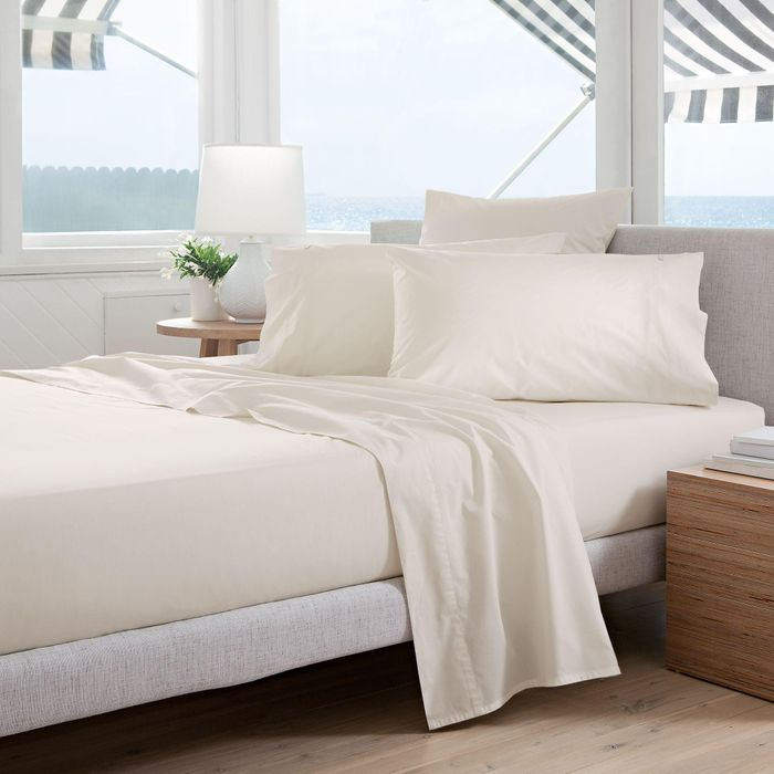 Sheridan - Light Cream '300 Thread Count Percale' Quilted Valance Sheet