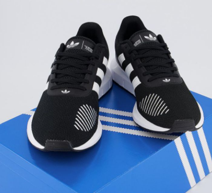Adidas Swift Run Trainers Core Black Cloud White