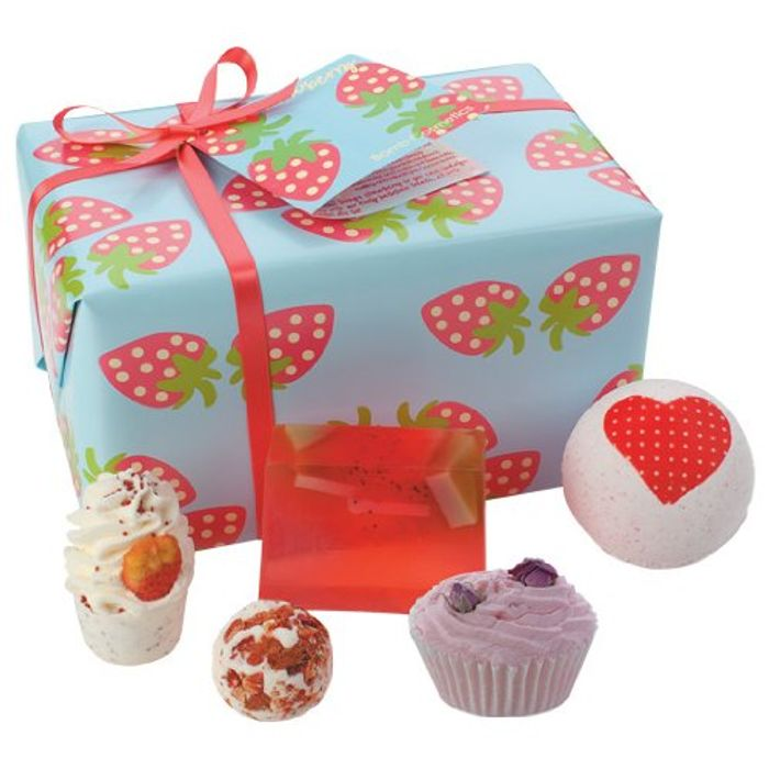 Bomb Cosmetics Strawberry Patch Handmade Gift Pack