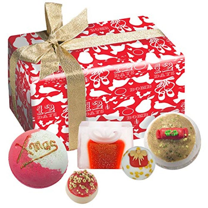 Bomb Cosmetics Christmas Carol Handmade Wrapped Bath and Body Gift Pack