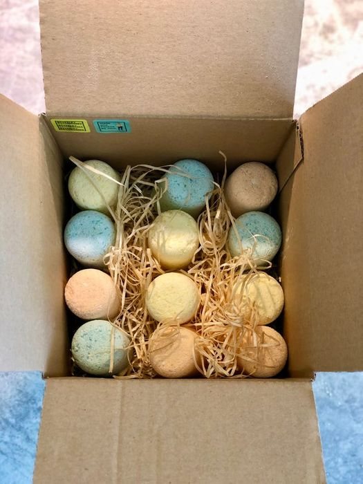 FREE DELIVERY! 12 Mini Bath Bombs Gift Box   Natural and Organic