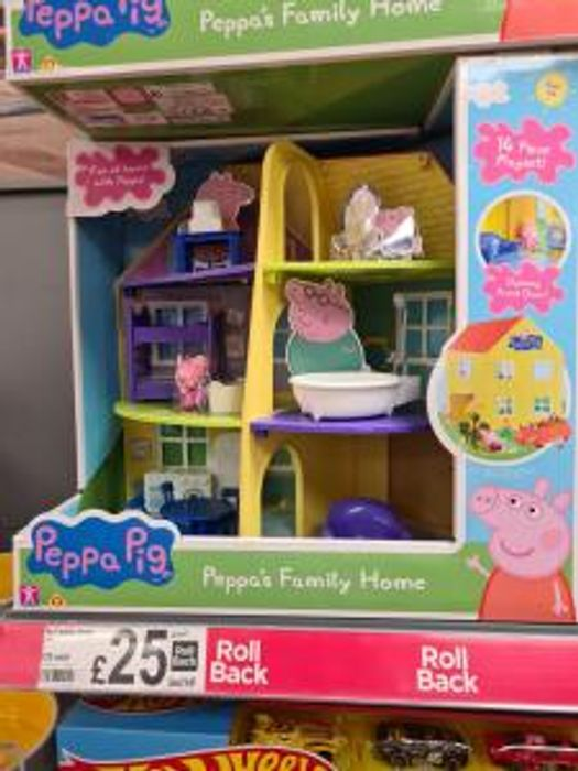 Cheap Peppa Pig Peppa's Family Home (Age 3 Yrs+) with 37% Discount!
