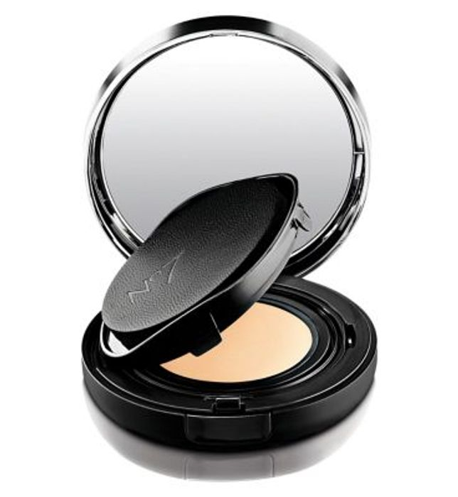 Boots No7 Aqua Perfect Cushion Foundation,save £11.50!