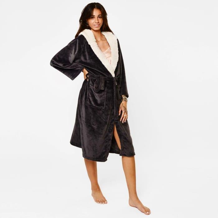 Women's / Men's Sherpa Fleece Hooded Dressing Gowns - £11.99 Delivered