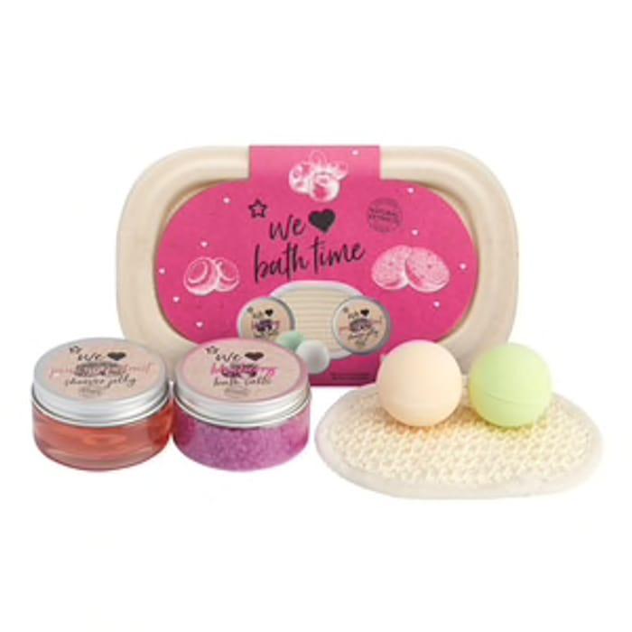 Superdrug We Love Bath Tub Pampering Gift Set