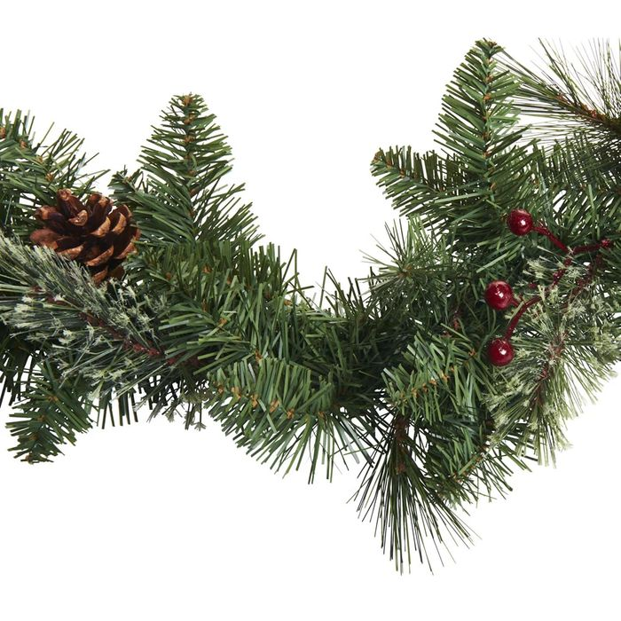 Cheap Wilko Christmas Garland - Pine Cones and Berries 2m - Save £6