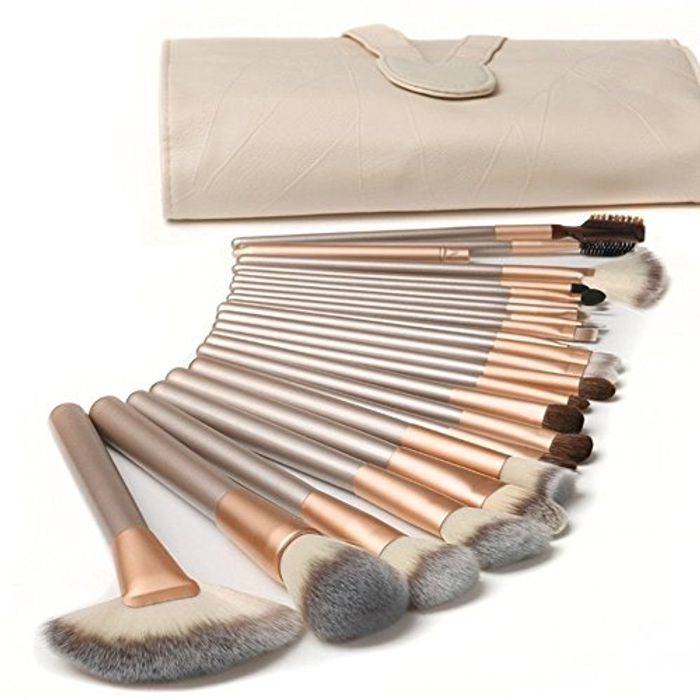 18 Pcs Make up Brushes  with PU Leather Bag (50% voucher)