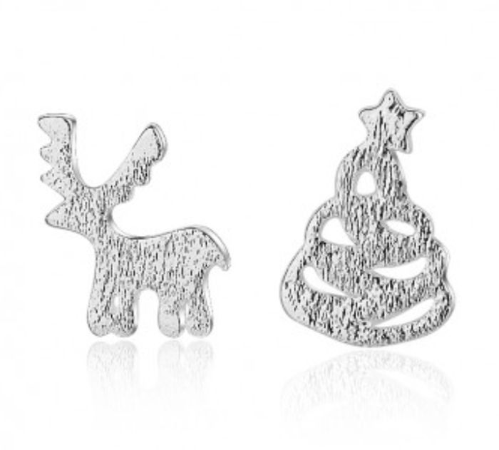 HURRY! 75% Off ALL Silver Jewellery + FREE Pair Of Christmas Earrings Worth £40!