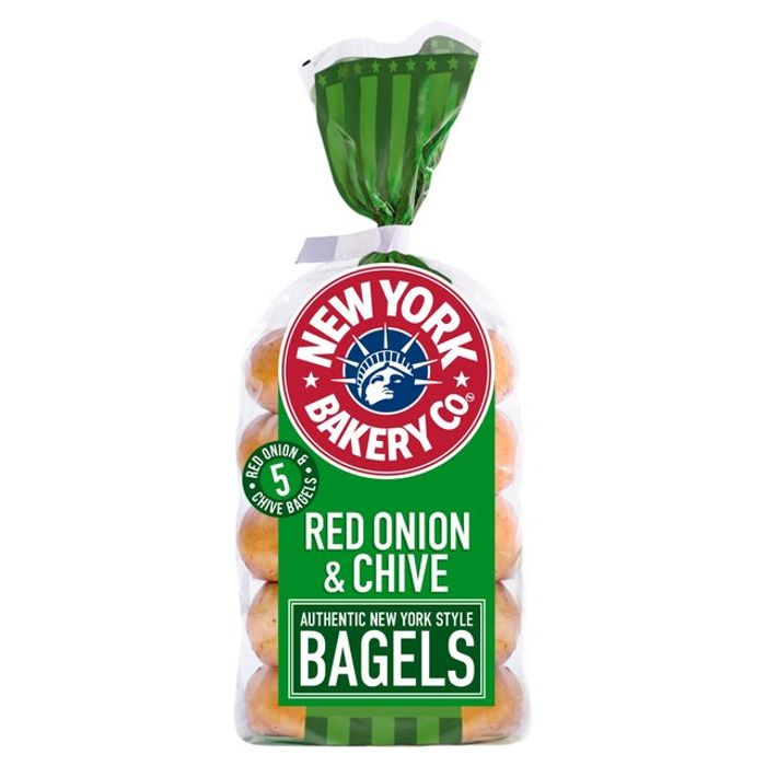New York Bakery Co Red Onion & Chive Bagels 5 Pack
