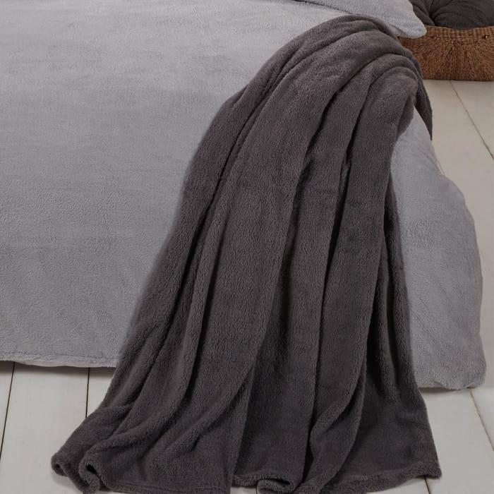 Brentfords Teddy Bear Fleece Large Blanket 8 Colours - £7.99 Delivered