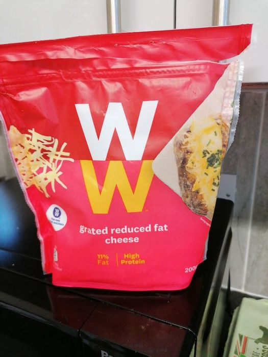 Weight Watchers Grayed Reduced Fat Cheese 200g
