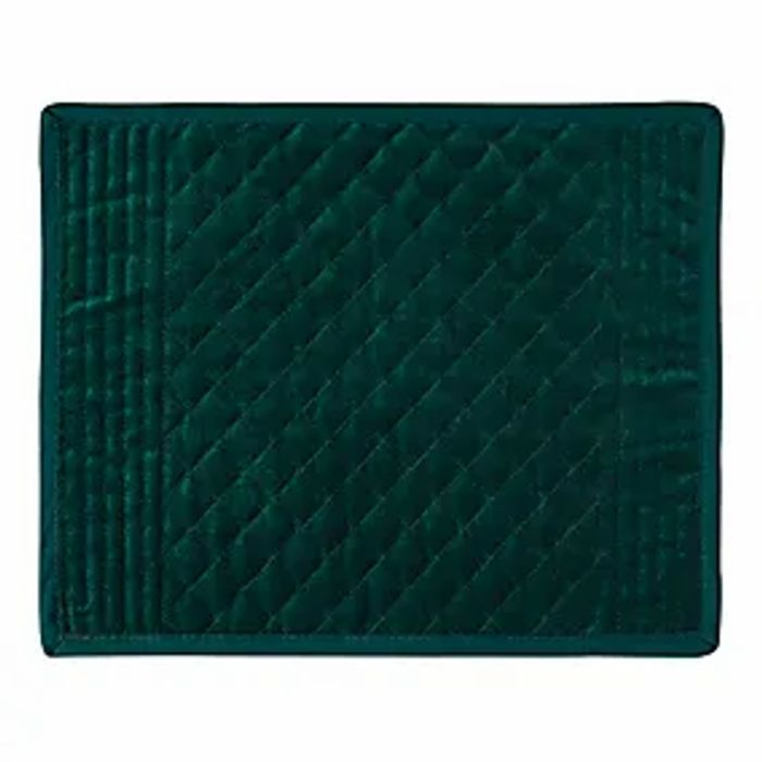 Velvet Quilted Placemat / Available in Red and Green