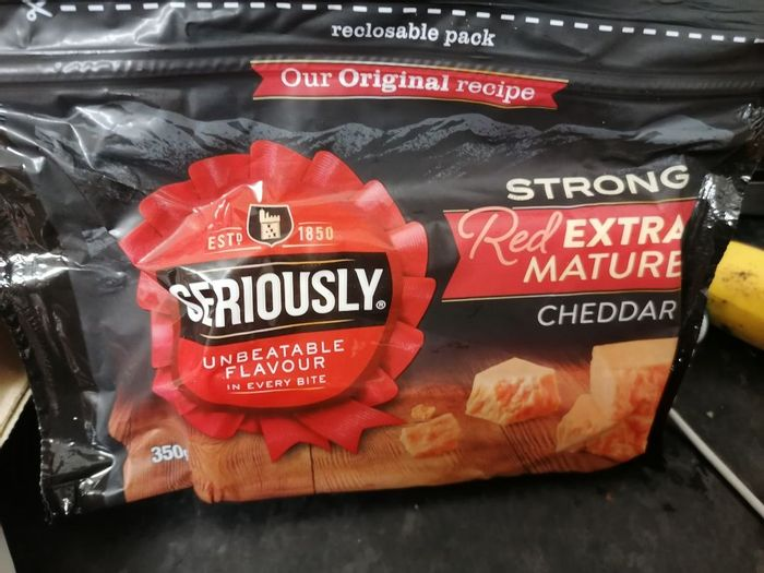 Seriously Strong Red Extra Mature Cheddar 350g