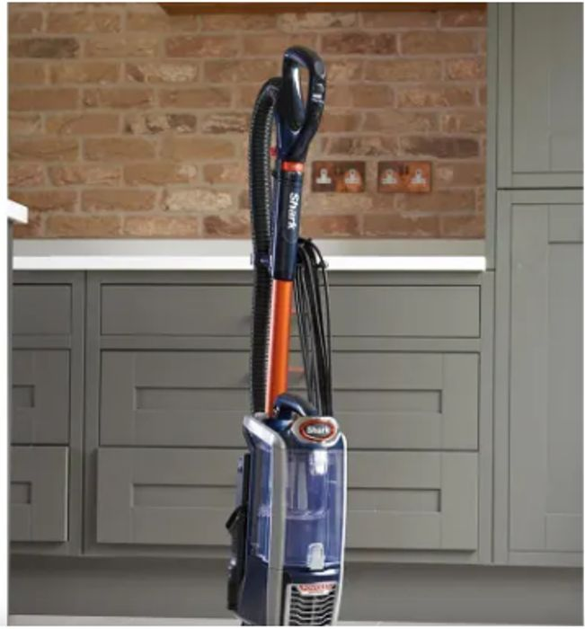 SHARK ANTI HAIR WRAP UPRIGHT VACUUM CLEANER - Only £199.96!