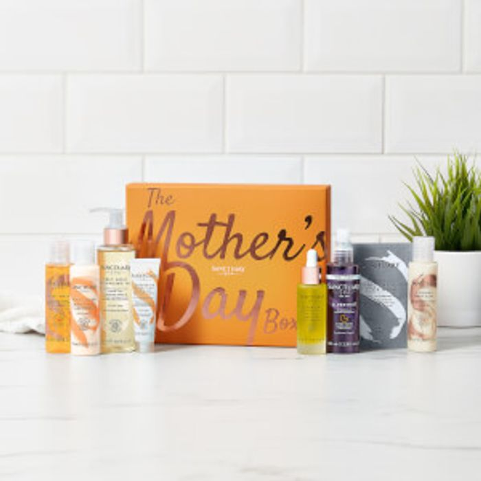 Mother's Day Beauty Box (Use code EXTRA5 for an additional £5 off)