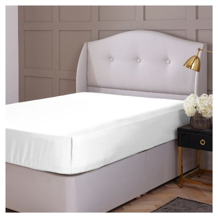 Silent Night Tol King Fitted Sheet White - Club Card Price