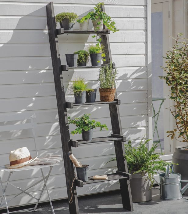 10% off Orders over £150 at Garden Trading