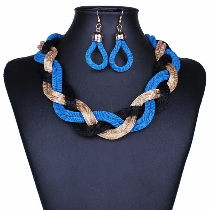 Free Chunky Necklace Set (Red, black, blue, gold or silver)