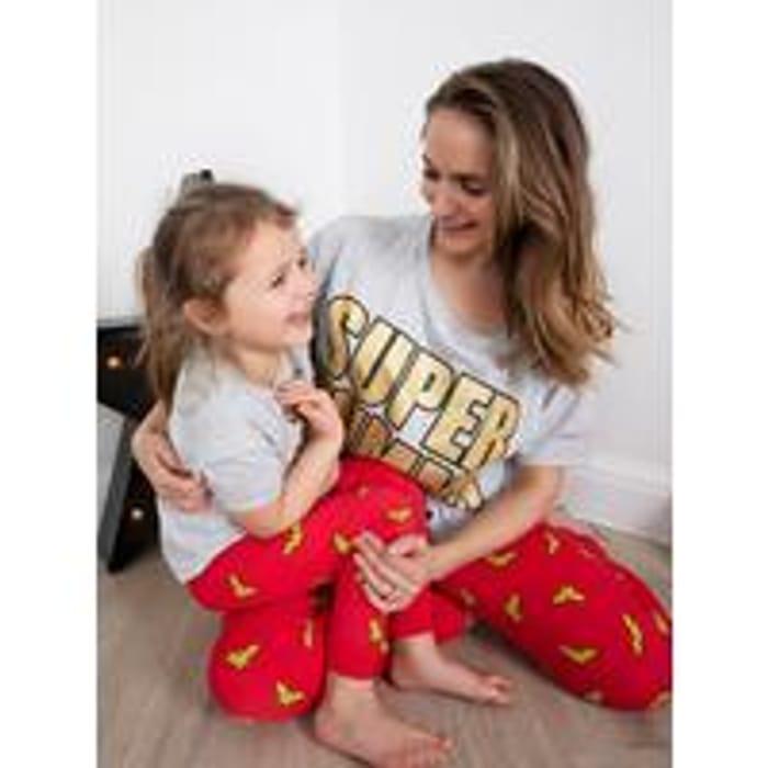 SAVE £5 on Womens Wonder Women PJs