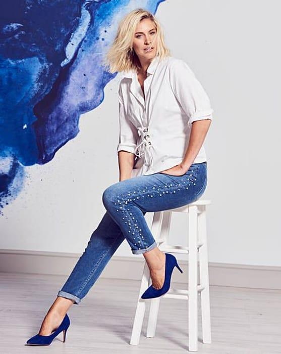 Sadie Authentic Stretch Pearl Slim Leg Jeans (Size 30 & 32)