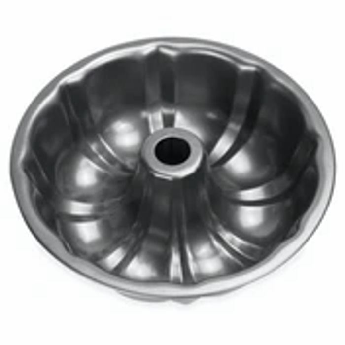 Fluted Non-Stick Ring Cake Tin | M&W