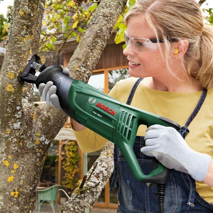 *SAVE £24* Bosch PSA 700 E 710W Sabre Saw