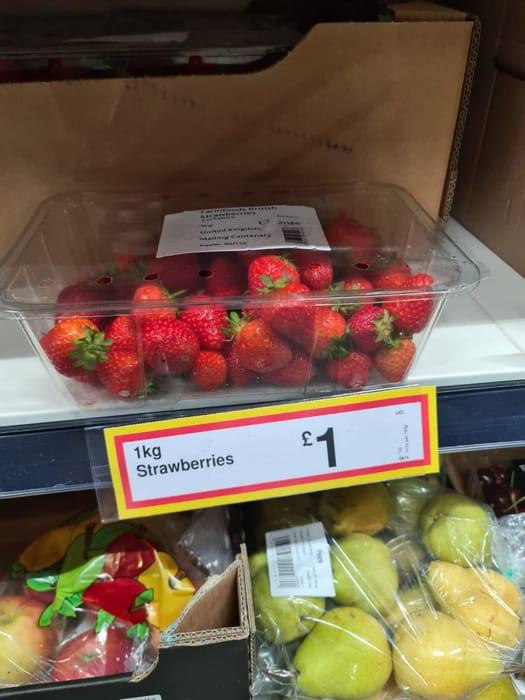 1kg of Strawberries